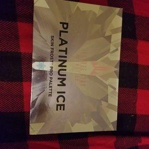Jeffree Star Platinum Ice Highlighter Palette